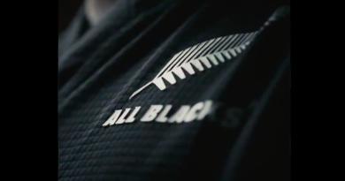 WAOUW ! Le nouveau maillot des All Blacks est enfin là et il va réveiller la magie noire !